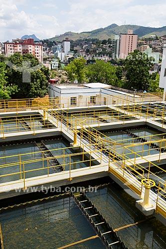 Estação de Tratamento de Água Ilha da Luz com a cidade de Cachoeiro de Itapemirim ao fundo  - Cachoeiro de Itapemirim - Espírito Santo (ES) - Brasil