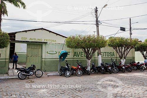 Fachada da Escola de Ensino Fundamental Avelino Feitosa na Rua Manoel Ferreira Lima  - Nova Olinda - Ceará (CE) - Brasil
