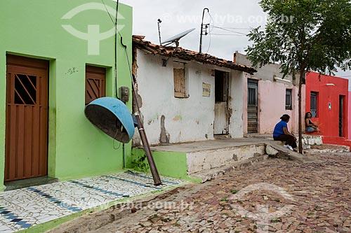 Telefone público quebrado na Colina do Horto  - Juazeiro do Norte - Ceará (CE) - Brasil