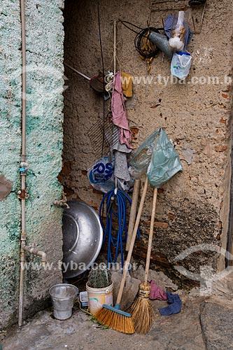Utensílios de limpeza em casa na Colina do Horto  - Juazeiro do Norte - Ceará (CE) - Brasil
