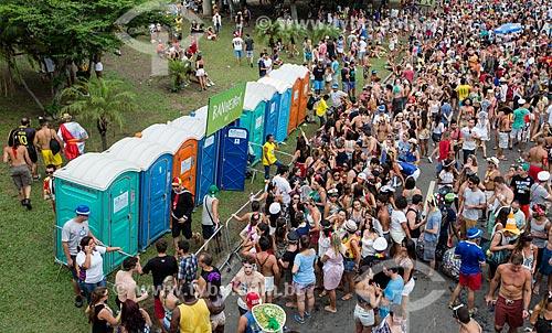 Banheiros químicos no desfile do bloco de carnaval de rua Sargento Pimenta no Aterro do Flamengo  - Rio de Janeiro - Rio de Janeiro (RJ) - Brasil