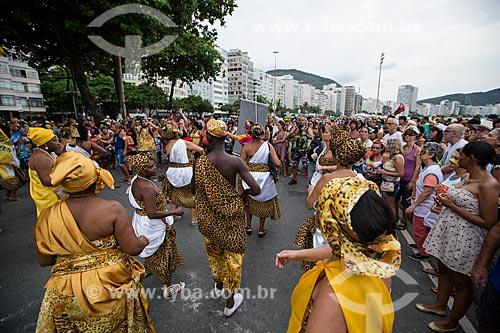 Foliões no desfile do Afoxé Filhos de Gandhi  - Rio de Janeiro - Rio de Janeiro (RJ) - Brasil