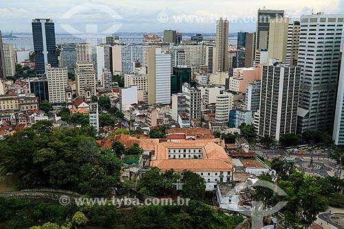 Vista geral da Igreja e Convento de Santo Antônio do Rio de Janeiro (1615) com o Largo da Carioca à direita  - Rio de Janeiro - Rio de Janeiro (RJ) - Brasil