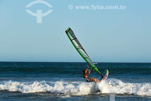 Praticante de Windsurf na Praia de Geribá  - Armação dos Búzios - Rio de Janeiro (RJ) - Brasil