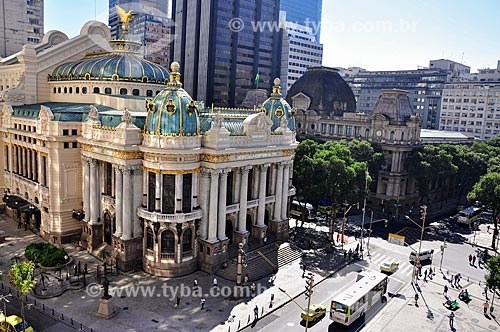 Vista do Theatro Municipal do Rio de Janeiro (1909) com o Museu Nacional de Belas Artes (1938) ao fundo  - Rio de Janeiro - Rio de Janeiro (RJ) - Brasil