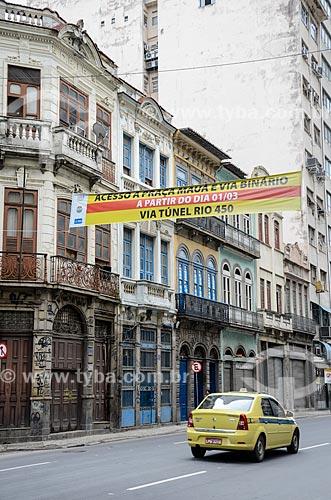 Faixa indicando o Túnel Rio450 na Rua Primeiro de Março  - Rio de Janeiro - Rio de Janeiro (RJ) - Brasil