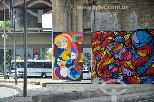 Grafite no pilar do Viaduto do Gasômetro  - Rio de Janeiro - Rio de Janeiro (RJ) - Brasil