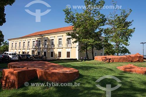 Praça Dom Frei Caetano Brandão com a Casa das Onze Janelas (Século XVIII) ao fundo  - Belém - Pará (PA) - Brasil
