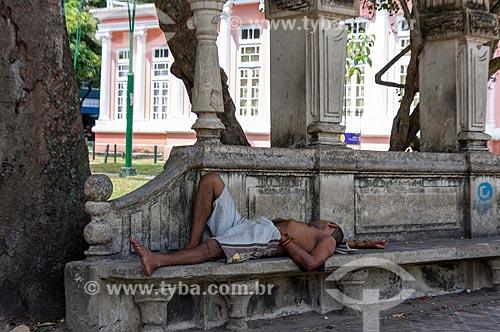 Morador de rua dormindo na Praça da República   - Belém - Pará (PA) - Brasil