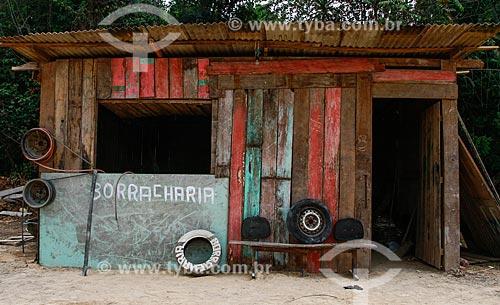 Borracharia às margens da Rodovia AM-070  - Amazonas (AM) - Brasil