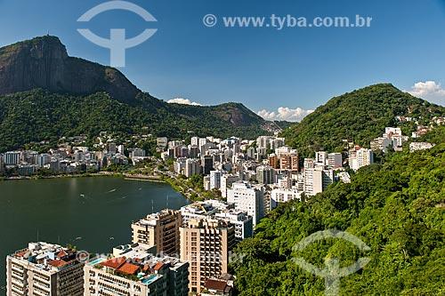 Vista do Lagoa Rodrigo de Freitas com o Cristo Redentor ao fundo a partir do mirante do Parque Natural Municipal da Catacumba  - Rio de Janeiro - Rio de Janeiro (RJ) - Brasil
