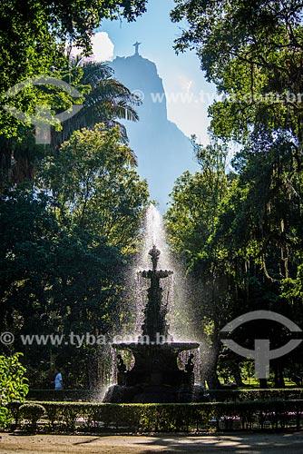 Chafariz das Musas no Jardim Botânico do Rio de Janeiro com o Cristo Redentor ao fundo  - Rio de Janeiro - Rio de Janeiro (RJ) - Brasil