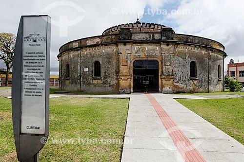 Fachada do Teatro Paiol (1874) - antigo arsenal de pólvora e munições do Exército Brasileiro  - Curitiba - Paraná (PR) - Brasil