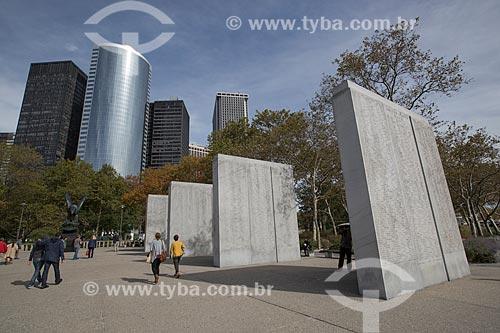 East Coast Memorial - monumento aos mortos nas águas do Oceano Atlântico durante a segunda guerra mundial - no Battery Park  - Cidade de Nova Iorque - Nova Iorque - Estados Unidos