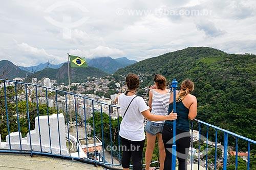 Turistas fotografando a partir do mirante do Forte Duque de Caxias - também conhecido como Forte do Leme  - Rio de Janeiro - Rio de Janeiro (RJ) - Brasil