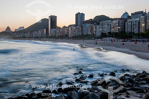 Pôr do sol na Praia de Copacabana visto a partir da Praia do Leme  - Rio de Janeiro - Rio de Janeiro (RJ) - Brasil