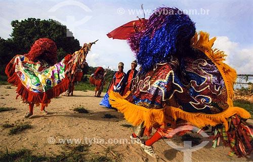 Apresentação de grupo de Maracatu Rural - também conhecido como Maracatu de Baque Solto  - Goiana - Pernambuco (PE) - Brasil