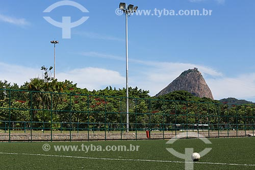 Campo de futebol do Aterro do Flamengo com o Pão de Açúcar ao fundo  - Rio de Janeiro - Rio de Janeiro (RJ) - Brasil