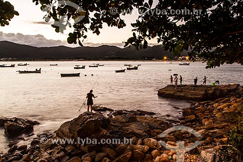 Pescador na Praia do Pântano do Sul  - Florianópolis - Santa Catarina (SC) - Brasil