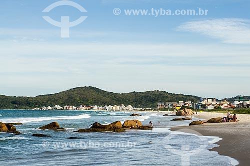 Vista da orla da Praia de Palmas  - Governador Celso Ramos - Santa Catarina (SC) - Brasil