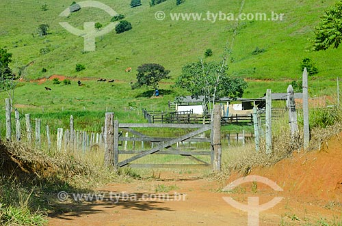 Porteira de fazenda na zona rural da cidade de Paraíba do Sul  - Paraíba do Sul - Rio de Janeiro (RJ) - Brasil