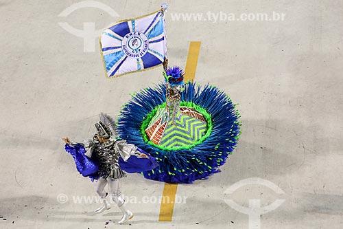 Desfile do Grêmio Recreativo Escola de Samba Caprichosos de Pilares - Casal de Mestre-sala e Porta-Bandeira - Enredo 2015 - Na minha mão é mais barato  - Rio de Janeiro - Rio de Janeiro (RJ) - Brasil