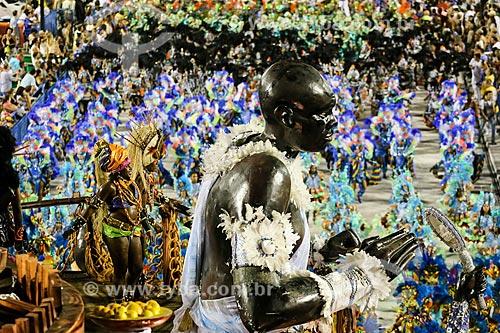 Desfile do Grêmio Recreativo Escola de Samba Beija-Flor de Nilópolis - Destaque de carro alegórico - Enredo 2015 - Um griô conta a história: Um olhar sobre a África e o despontar da Guiné Equatorial. Caminhemos sobre a trilha de nossa felicidade  - Rio de Janeiro - Rio de Janeiro (RJ) - Brasil
