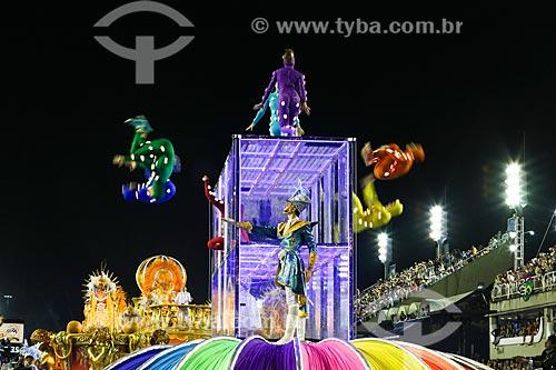 Desfile do Grêmio Recreativo Escola de Samba Unidos de Vila Isabel - Comissão de frente - Enredo 2015 - O Maestro Brasileiro está na terra de Noel... a partitura é azul e branco da nossa Vila Isabel  - Rio de Janeiro - Rio de Janeiro (RJ) - Brasil