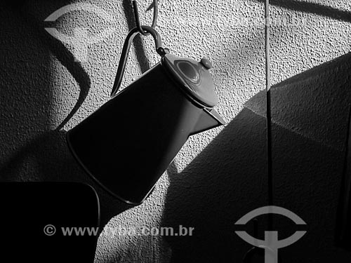 Detalhe de bule em casa de campo  - Canela - Rio Grande do Sul (RS) - Brasil
