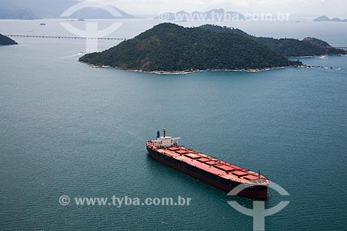 Foto aérea de navio graneleiro na Baía de Ilha Grande  - Itaguaí - Rio de Janeiro (RJ) - Brasil