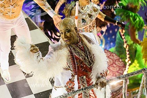 Desfile do Grêmio Recreativo Escola de Samba Portela - Ator Aílton Graça como destaque de carro alegórico  - Rio de Janeiro - Rio de Janeiro (RJ) - Brasil