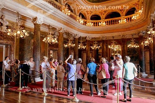 Turistas no salão nobre do Teatro Amazonas (1896)  - Manaus - Amazonas (AM) - Brasil