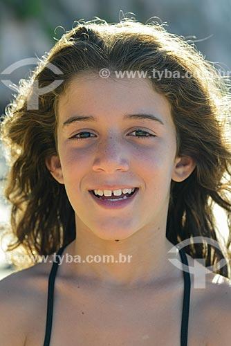 Detalhe de rosto de menina  - Tibau do Sul - Rio Grande do Norte (RN) - Brasil