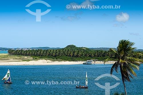 Vista da orla de Barra do Cunhaú  - Tibau do Sul - Rio Grande do Norte (RN) - Brasil
