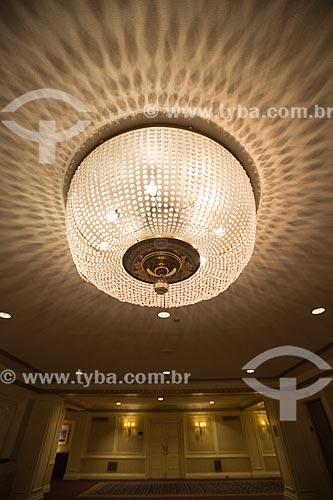 Lustre no The Roosevelt Hotel  - Cidade de Nova Iorque - Nova Iorque - Estados Unidos