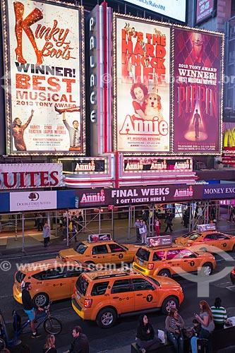 Táxis próximos aos teatros da Broadway  - Cidade de Nova Iorque - Nova Iorque - Estados Unidos