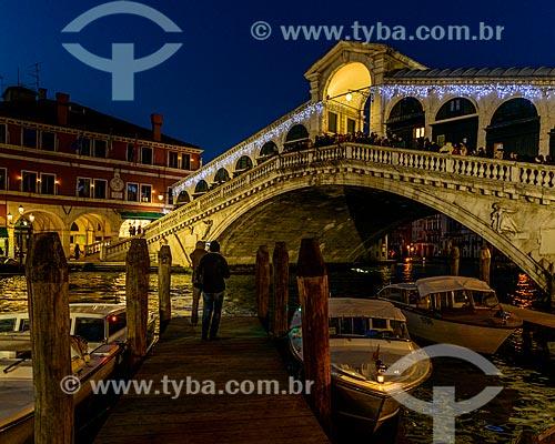 Ponte de Rialto sobre o Grande Canal  - Veneza - Província de Veneza - Itália