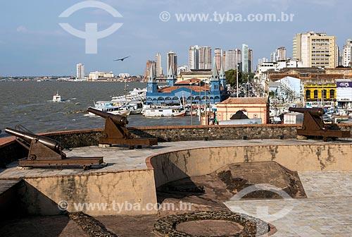 Vista a partir do Forte do Castelo do Senhor Santo Cristo (1616) - também conhecido como Forte do Castelo ou Forte do Presépio na margem da foz do Rio Guamá - Baía do Guajará  - Belém - Pará (PA) - Brasil
