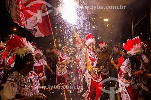 Foliões durante o desfile do bloco de carnaval de rua Cacique de Ramos na Avenida Rio Branco  - Rio de Janeiro - Rio de Janeiro (RJ) - Brasil