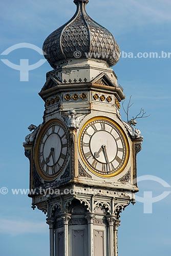 Detalhe do relógio na Praça Siqueira Campos - também conhecida como Praça do Relógio  - Belém - Pará (PA) - Brasil