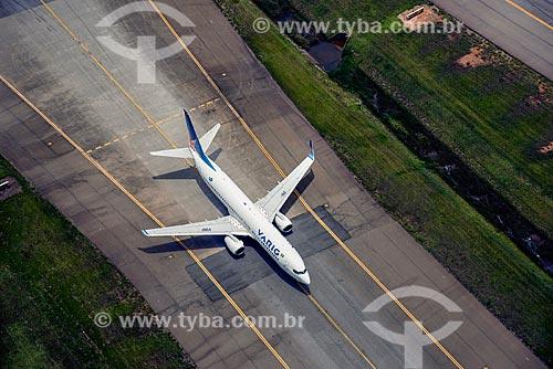 Foto aérea de avião da VARIG traxiando no Aeroporto Internacional de São Paulo-Guarulhos Governador André Franco Montoro  - Guarulhos - São Paulo (SP) - Brasil