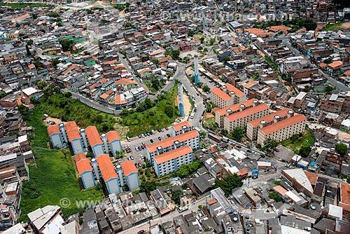 Foto aérea de casas e conjunto habitacional da Companhia de Desenvolvimento Habitacional e Urbano (CDHU)  - Osasco - São Paulo (SP) - Brasil