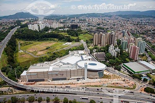 Foto aérea do Tietê Plaza Shopping com a Marginal Tietê em frente e a Rodovia dos Bandeirantes à esquerda  - São Paulo - São Paulo (SP) - Brasil
