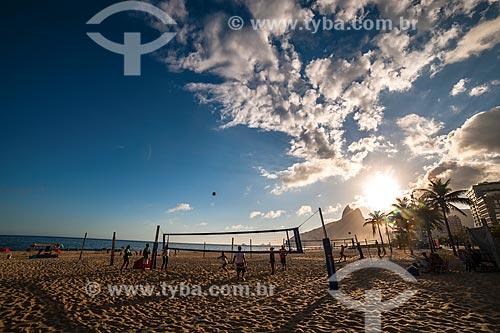 Praia de Ipanema com o Morro Dois Irmãos ao fundo  - Rio de Janeiro - Rio de Janeiro (RJ) - Brasil