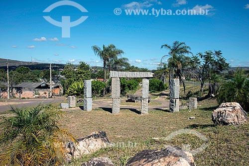 Monumento na Praça da Terra  - Alto Paraíso de Goiás - Goiás (GO) - Brasil