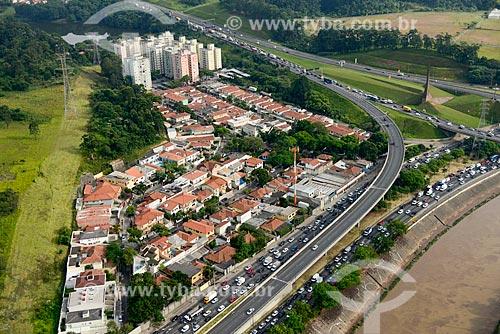 Foto aérea da Vila Fiat Lux na Marginal Tietê com a Rodovia dos Bandeirantes (SP-348)  - São Paulo - São Paulo (SP) - Brasil