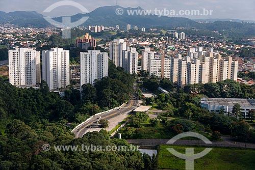 Edifícios na Avenida Raimundo Pereira de Magalhães  - São Paulo - São Paulo (SP) - Brasil