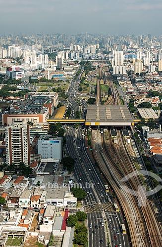 Foto aérea da Estação Tatuapé do Metrô São Paulo com a Avenida Radial Leste  - São Paulo - São Paulo (SP) - Brasil