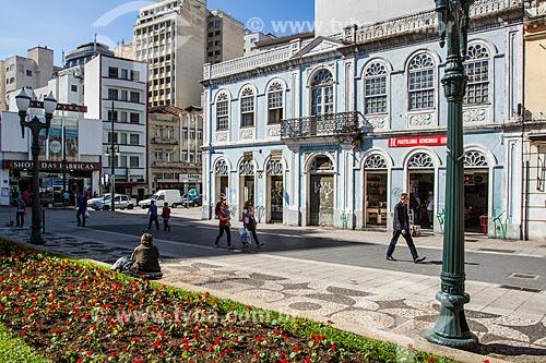 Comércio próximo à Praça Generoso Marques  - Curitiba - Paraná (PR) - Brasil