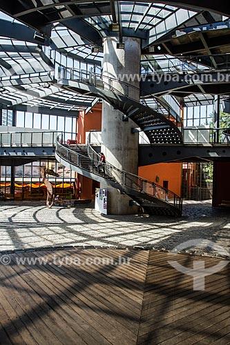 Escada no interior do Memorial de Curitiba (1996)  - Curitiba - Paraná (PR) - Brasil